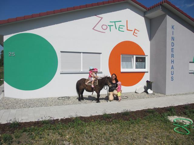 Kinderhaus Zottele 1 und 2 Crailsheim-Roßfeld Rotebachring 25